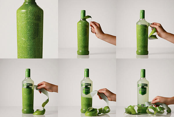 酒水品牌Smirnoff邀请JWT智威汤逊为他们的果汁酒Smirnoff Caipiroskadesign包装,使用水果本身的纹理为酒瓶包裹一层薄膜,共有三种口味,柠檬,西番莲和草莓,打开包装时感觉好像在剥开一枚水果。